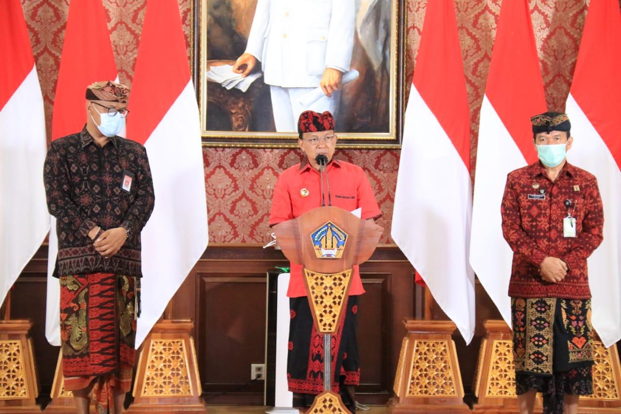 Gubernur Bali, Wayan Koster mengumumkan mulai 23 Februari, setiap hari Selasa gunakan tenun khas Bali