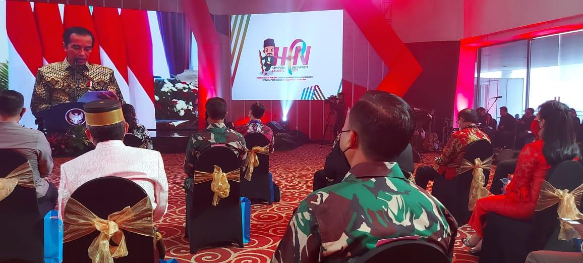 Presiden RI, Joko Widodo ketia menyampaikan sambutan pada puncak peringatan HPN 2021 secara virtual dari istana negara Jakarta