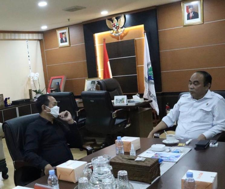 Wakil Bupati Badung I Ketut Suiasa melaksanakan pertemuan dengan Wakil Menteri Desa, Pemberdayaan Daerah Tertinggal dan Transmigrasi (PDTT) Budi Arie Setiadi di Jakarta, Senin (29/3)