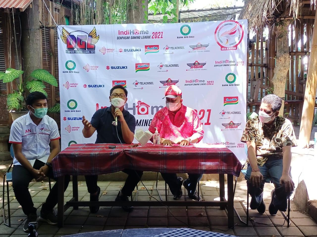Wakil Walikota Denpasar, Kadek Agus Arya Wibawa saat pers conference kompetisi bertajuk 'Denpasar Gaming League 2021' , Jumat (23/4).