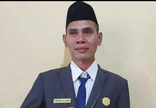 Ketua Dewan Perwakilan Rakyat Daerah (DPRD) Kabupaten Manggarai Barat,  Marten Mitar