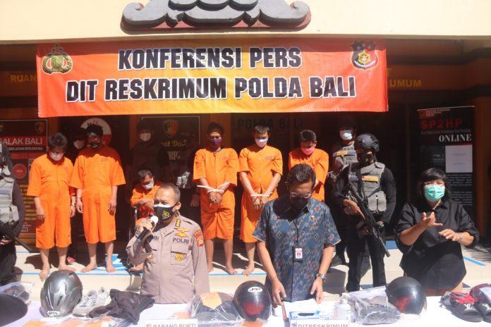 Enam tersangka pembobol ATM ditangkap Polda Bali