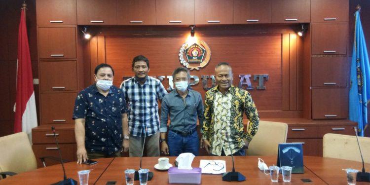 Pengurus Siwo PWI bersama Pengurus Pusat PWI usai rapat membahas Porwanas 2021