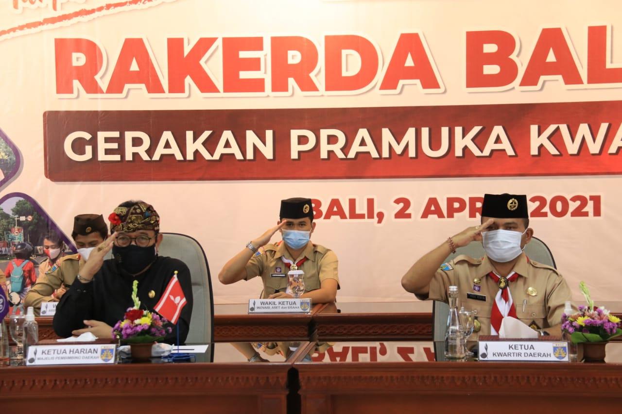 Ketua Harian Majelis Pembimbing Daerah Pramuka Kwarda Bali Tjokorda Oka Artha Ardhana Sukawati bersama Ketua Kwarda Bali, Made Rentin