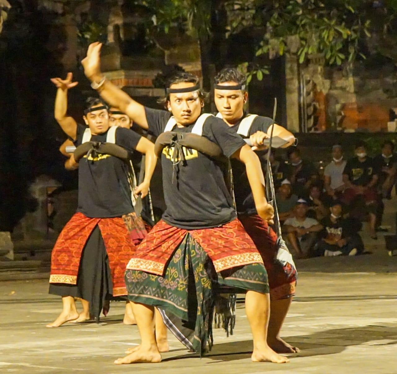 Salah satu tampilan Duta Seni dri Kodya Denpasar untuk dipentaskan di PKB 2021. (FOTO:Ita)