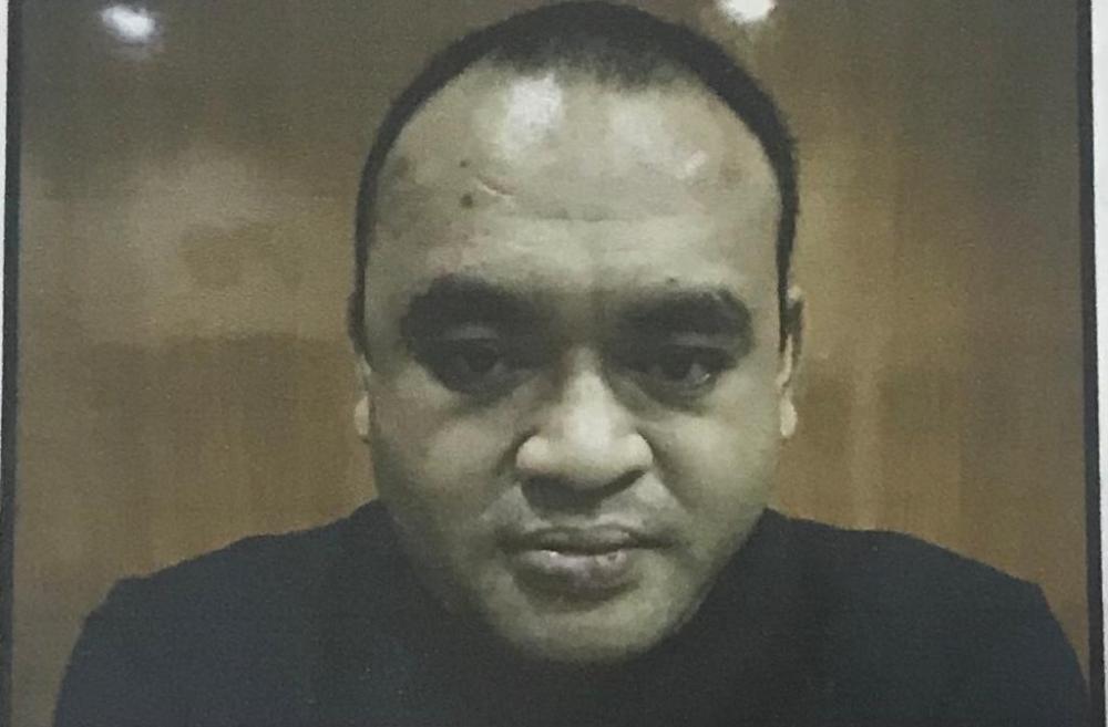 Christophere Benediktus Diaz (30) yang menjadi terdakwa dalam kasus Undang-undang ITE karena dengan sengaja dan tanpa hak atau melawan hukum mengakses komputer atau sistem orang lain alias membobol ATM dituntut hukuman 3 tahun penjara.