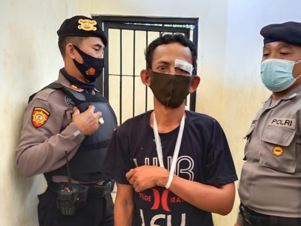Tersangka Putu Ardana Alias Kepang diamankan Polisi