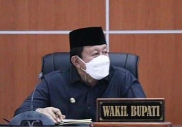 Wakil Bupati Manggarai Barat, Yulianus Weng