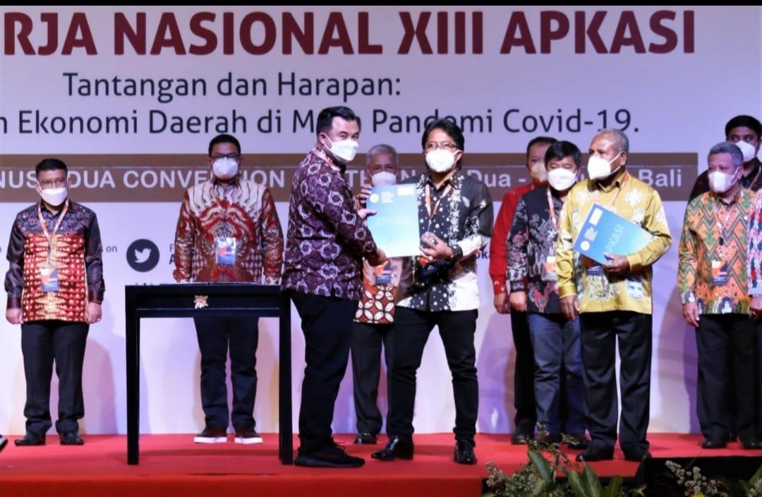 Bupati Badung, Giri Prasta dikukuhkan sebagai wakil ketua Umum APKASI