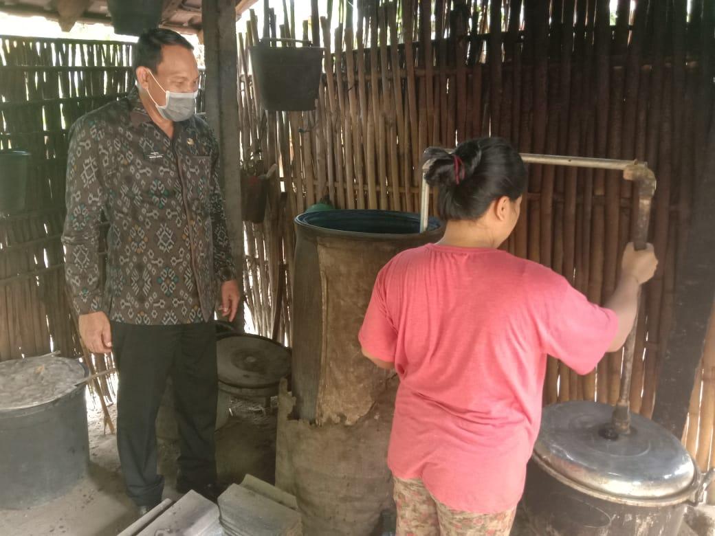 Penyuluhan kepada petani arak Bali