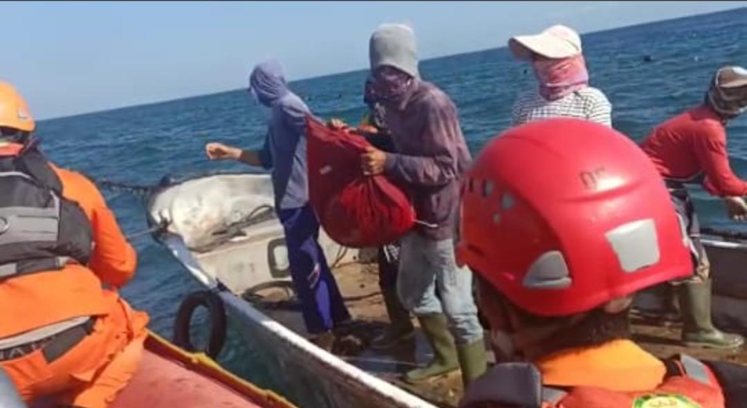 Proses Evakuasi KMP Yunicee