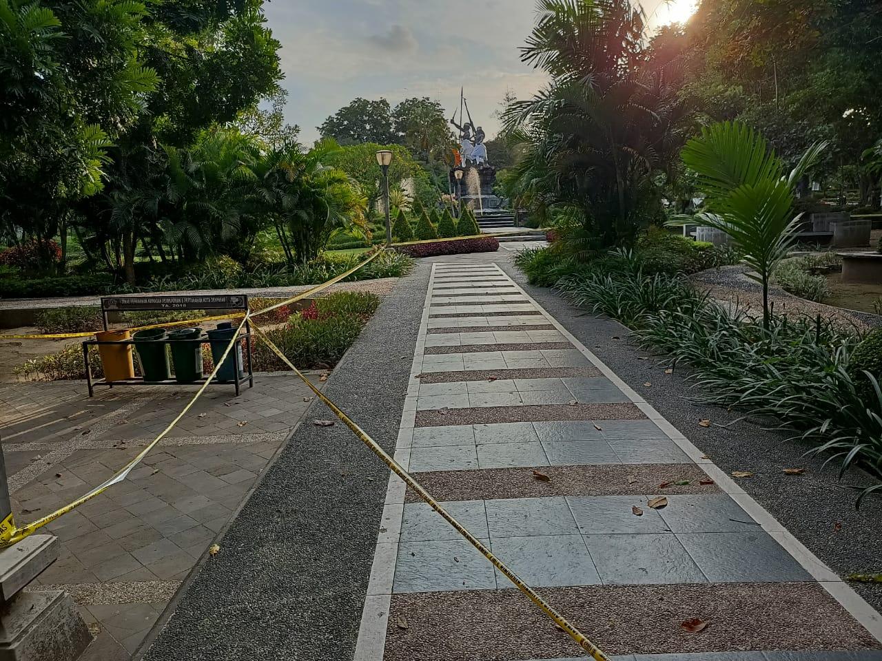 Lapangan Puputan Denpasar kembali ditutup lantaran trend peningkatan jumlah pasien positif covid-19 meningkat lagi