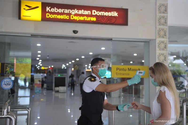 Pengecekan penumpang keluar masuk Bali via Bandara Ngurah Rai