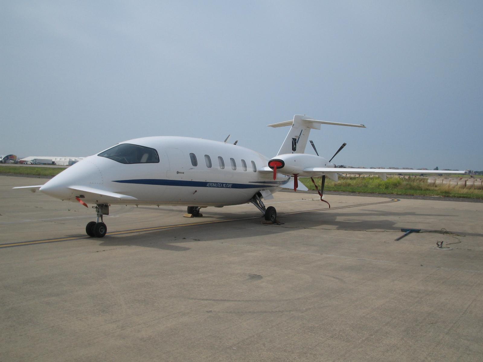 pesawat Turbo Prop Jet - Type Avanti P180.